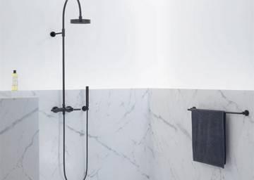 Colonna doccia multifunzione con doccetta con idromassaggio twice