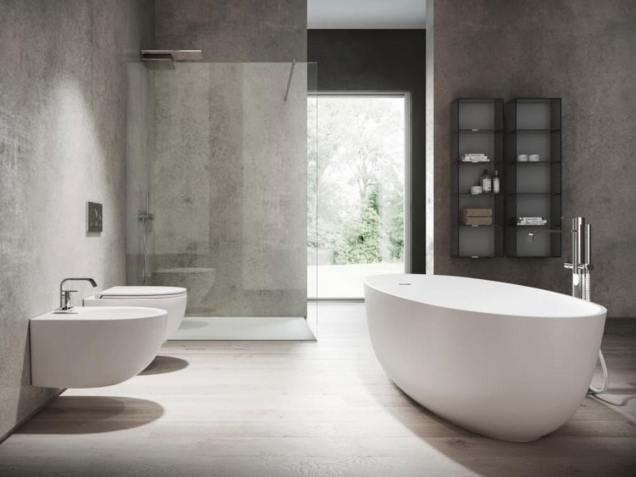 Disenia presenta nuove collezioni di piatti doccia e vasche da