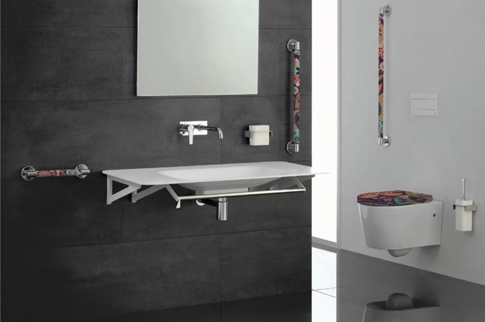 Ponte giulio propone ausili colorati per un bagno sicuro e allegro