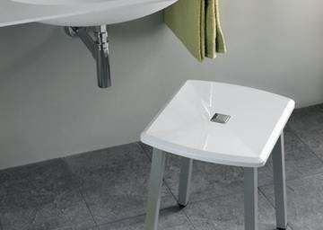 Seggiolini e sgabelli bagno disabili in plastica per lavabo