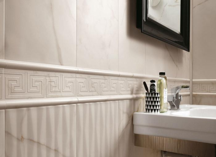 Pavimenti e rivestimenti effetto marmo roma calacatta - Bagno con greca ...